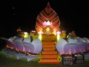 Đà Lạt : Hoa đăng mừng Phật đản