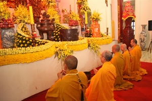 Nam Định: Lễ hằng thuận tại chùa Trúc Lâm Thiên Trường
