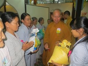 Quảng Nam: Chùa Minh Đức làm từ thiện mùa Vu Lan Báo Hiếu