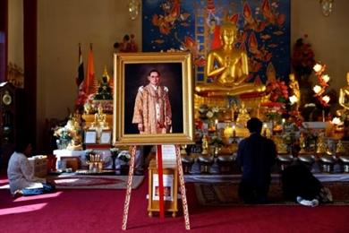 Thai King Memorialized in Buddhist Temples Around the World