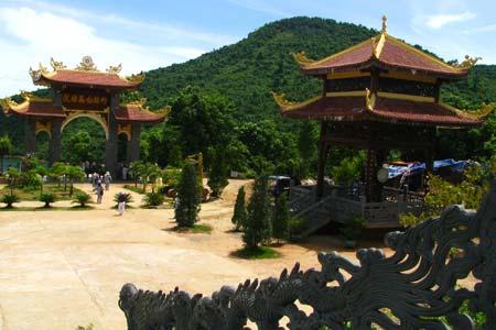 Mênh mang thiền viện Trúc Lâm